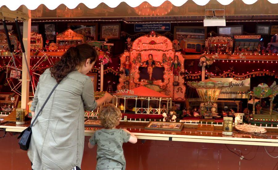 Bezoek aan de nostalgische Kermis in Oss