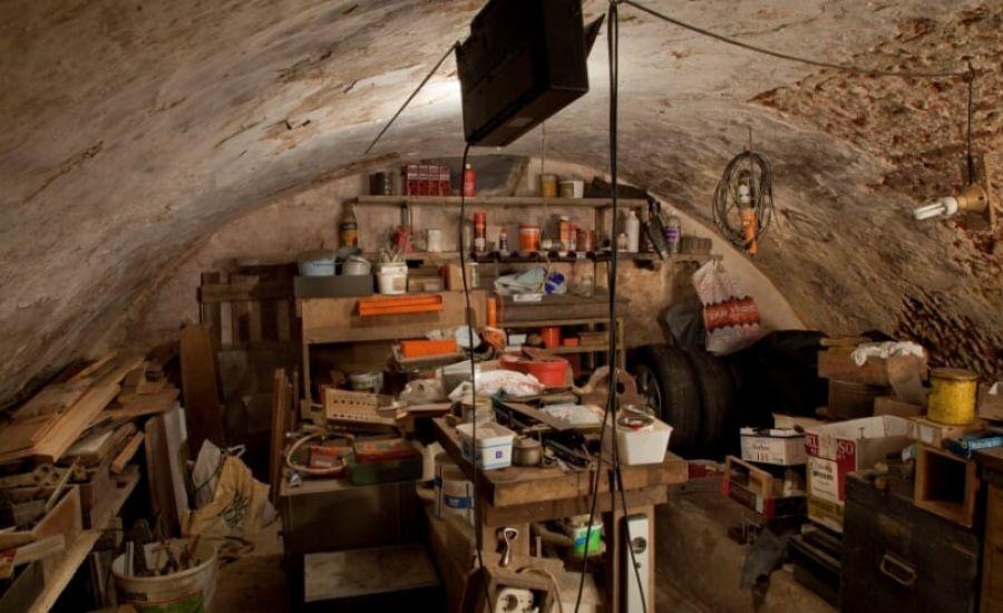 Boek over ondergrondse geschiedenis Ravenstein