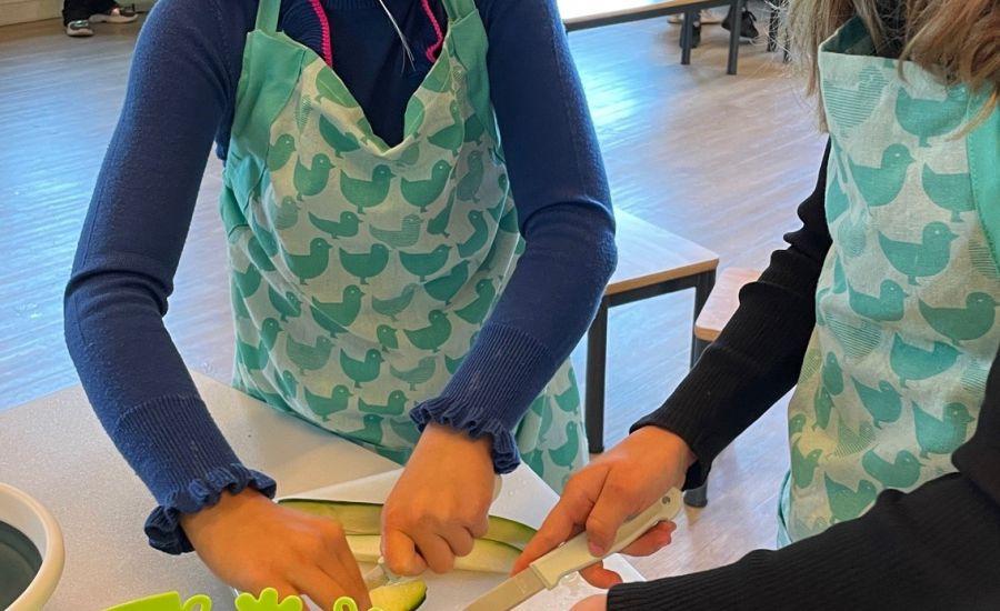 Leerlingen van groep 5 & 6 ontdekken alles over gezond eten tijdens de Soeples
