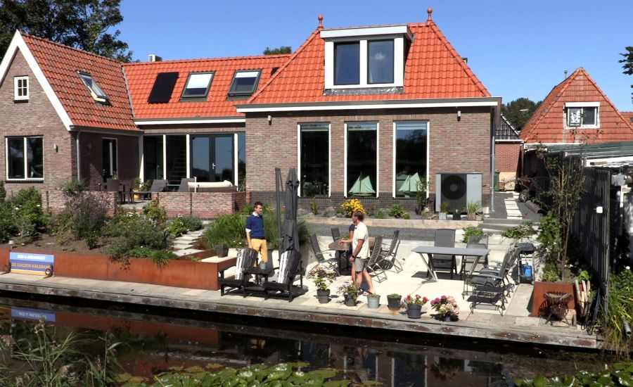 Osse fotograaf begint B&B in Friese Pingjum